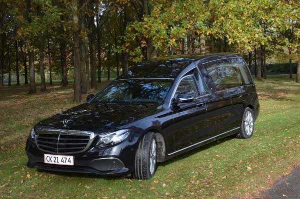 rustvogn til transport af kiste Mercedes E300