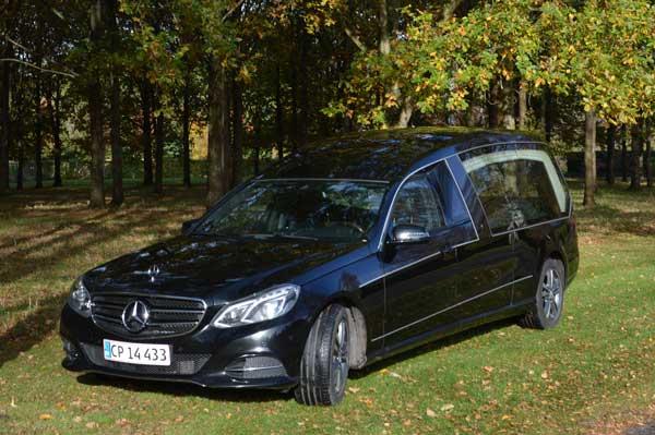 rustvogn til transport af kiste Mercedes E350